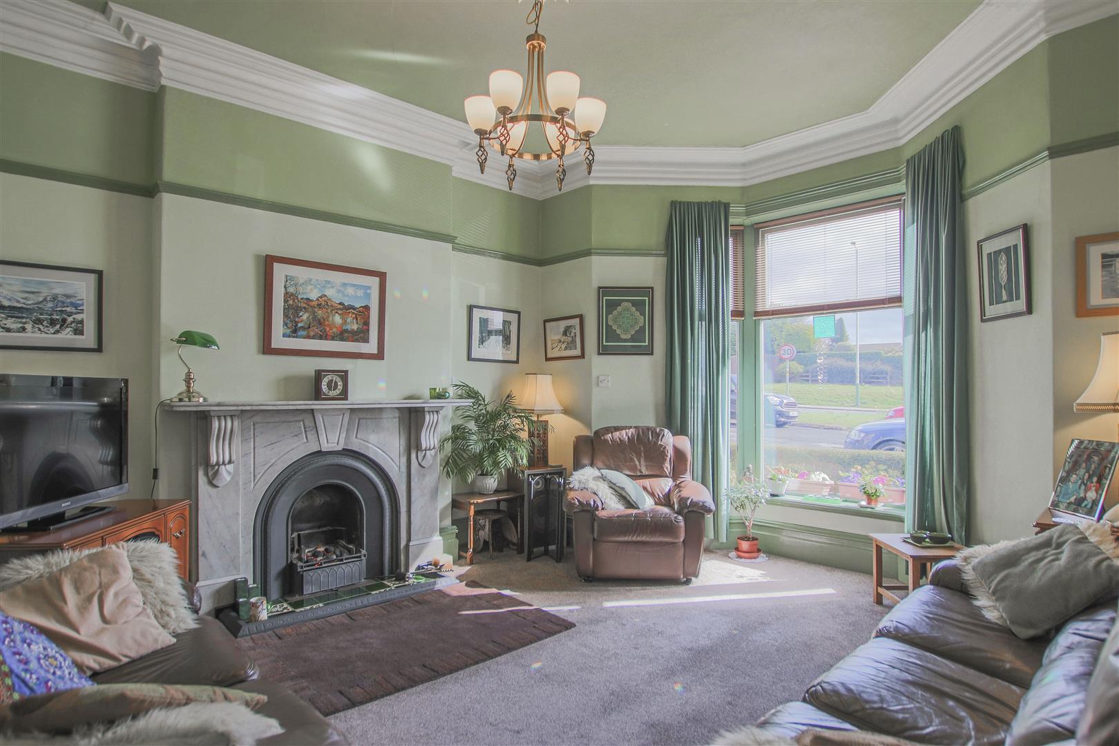 3 Bedroom Mid Terrace House For Sale - 5.JPG